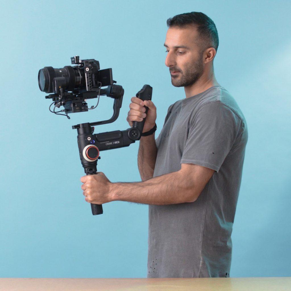 צלם מחזיק גימבל לצילום וידאו תדמית