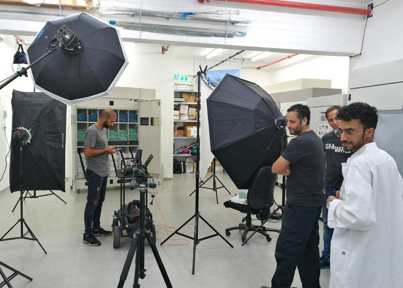 איך לצלם מוצרים על רקע לבן