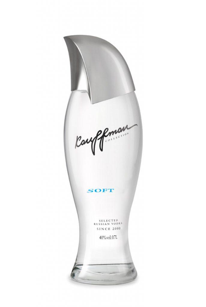 צילום בקבוקים על רקע לבן